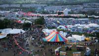 Забрана за ПЛАСТМАСОВИ БУТИЛКИ на най-големия БРИТАНСКИ фестивал