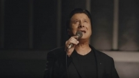 Former JOURNEY Singer STEVE PERRY Releases Music Video 'No Erasin''