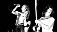 Страхотен запис как VAN HALEN свирят DEEP PURPLE в концерт от 1975