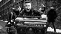 DROPKICK MURPHYS с първи сингъл от новия албум - чуйте 'Middle Finger'