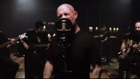 FIVE FINGER DEATH PUNCH с видо на новия сингъл 'Darkness Settles In'