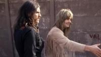 Чуйте как ЛЕМИ и ОЗИ пеят в дует в нова версия на 'Hellraiser'