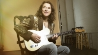 ROBBEN FORD streams new album GOES INTO THE SUN in full
